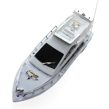 2016 High Speed Remote Control Boats Boy's Toy Children Plastic Mini Remote Control Boat Electric Toys Model Ship Sailing Games(China (Mainland))