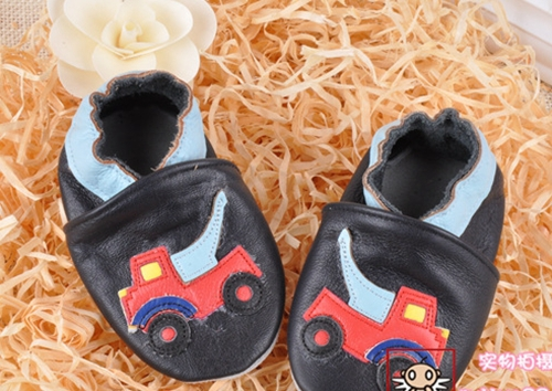 2014 100% Head Layer Cow leather baby shoes black shoes with car toddler shoes baby girl shoes melee(China (Mainland))