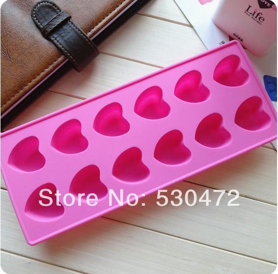 12 hole Heart-shaped silicone cake mold / chocolate mold / Ice Cube Tray 23*9.5*2.5/75G