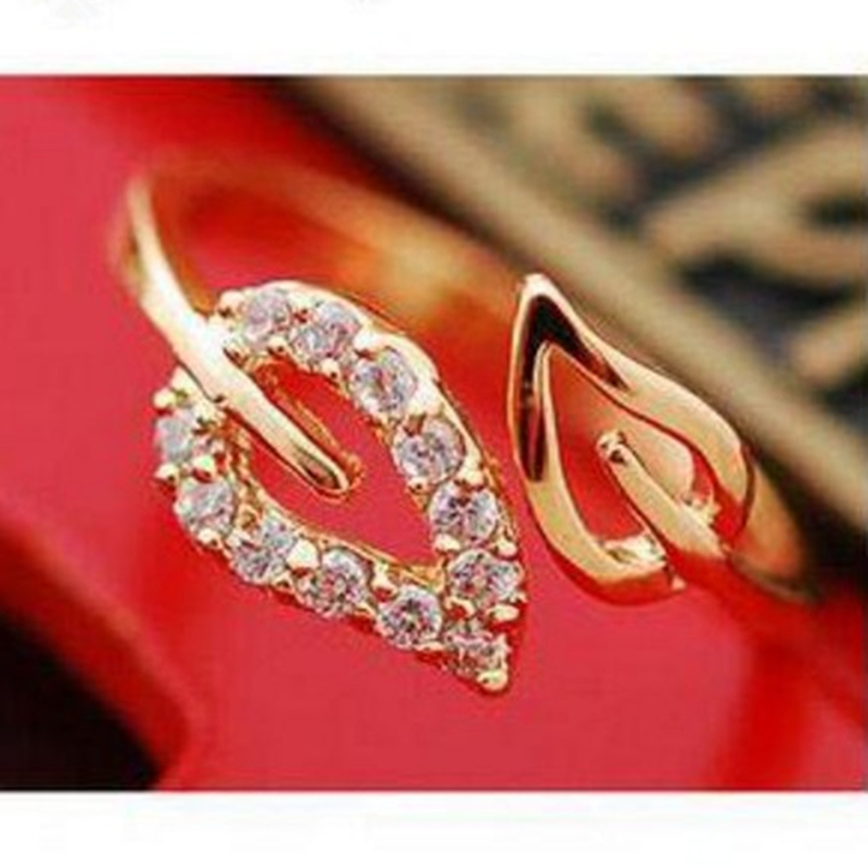 2017 new (or) two anti - Drilling retro leaves - Korean female couple rings free shipping