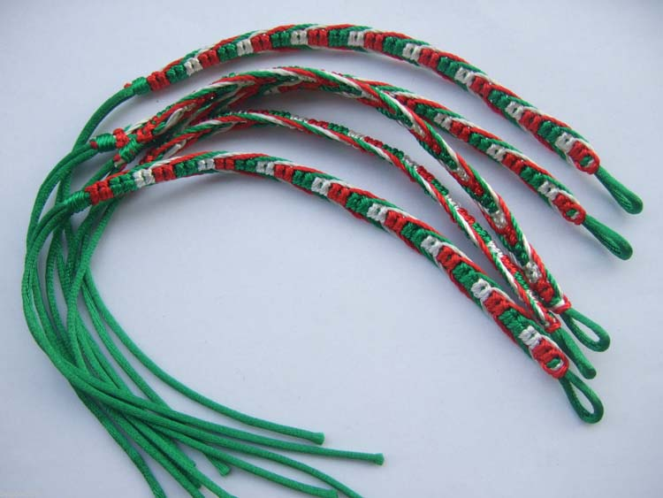 50pcs-Italy-Flag-Green-Red-White-Silk-Cord-Macrame-Friendship-Bracelet-Surfer-WHOLESALE-Jewelryfindings--com[1]