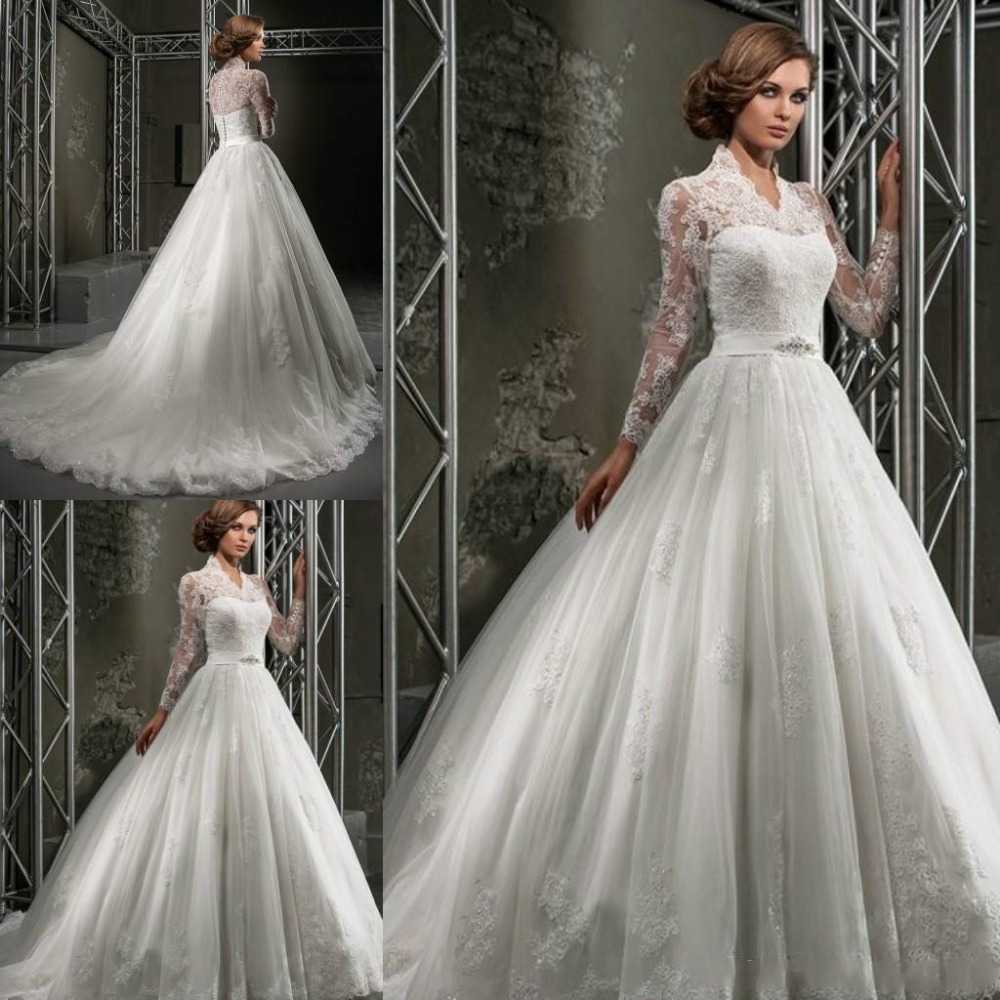 Custom Made Lace Wedding Dresses Winter 2016 Plus Size Ball Gowns V Neck Full Sleeves Applique Beads Church Wedding Gown(China (Mainland))