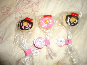 30pcs 4 cm hello kitty small donut with dizzle squishy