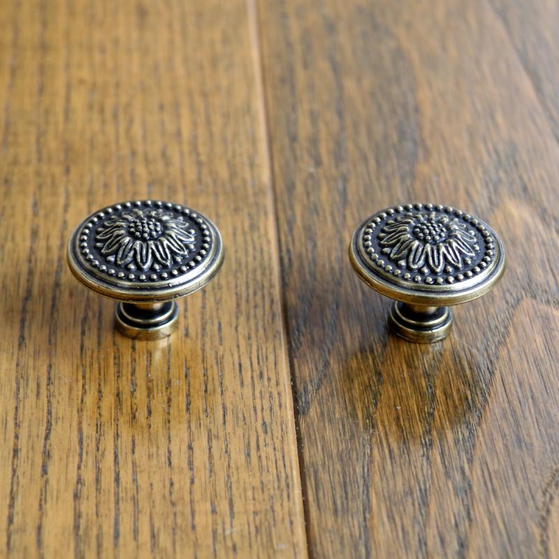 online kaufen gro handel vintage furniture knobs aus china vintage furniture knobs gro h ndler. Black Bedroom Furniture Sets. Home Design Ideas