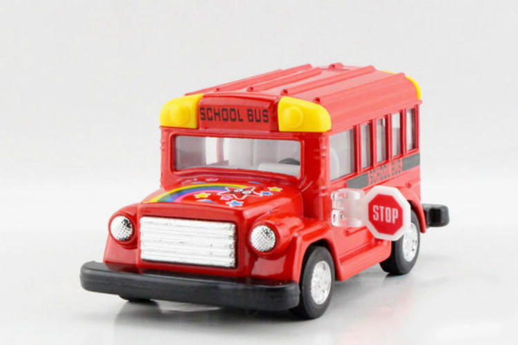 Alloy Cartoon Kid School Bus Scale Model Die cast Bus Toys Pull Back Kids Toys Best Gift Collection(China (Mainland))