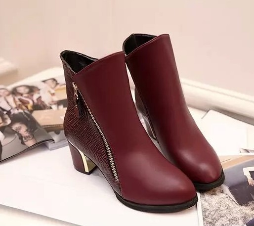 2015 new autumn and winter high-heeled Martin boots for female black square heel shoes ladies side zipper pointed toe boots
