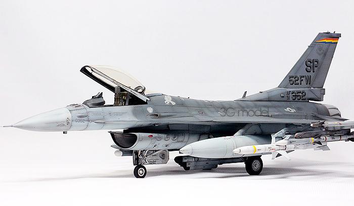 Tamiya model aircraft assembled 61,098 US F-16CJ fighter aircraft model Fighter  Airplane fighter aircraft model