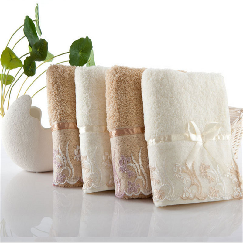 High Quality Family Pure Cotton Absorbent Classic Lace Embroidery Facecloth Antibacterial Soft Comfortable Baby Drool Towel(China (Mainland))