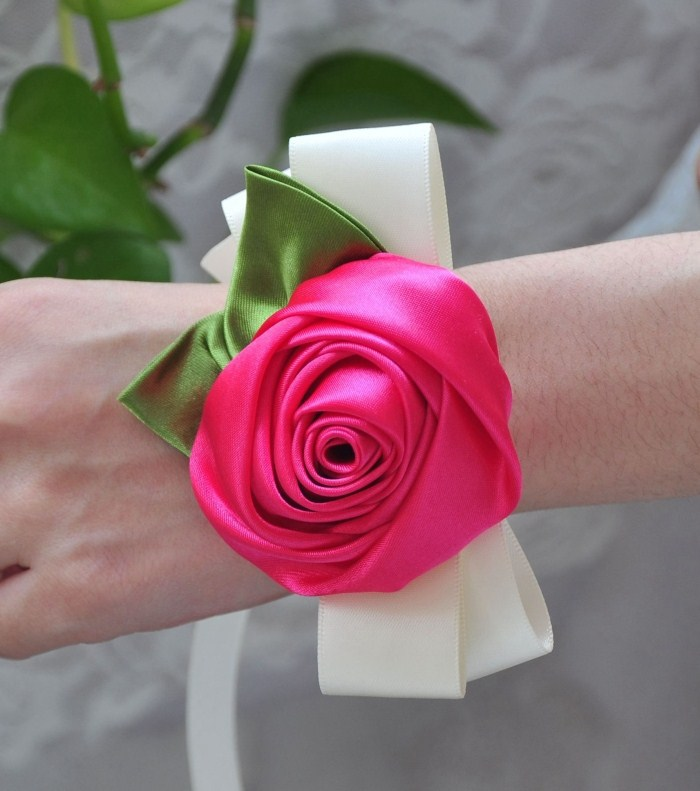 10 Pieces of roses super beautiful bride and bridesmaids hand wrist flower flower theme wedding decorations(China (Mainland))