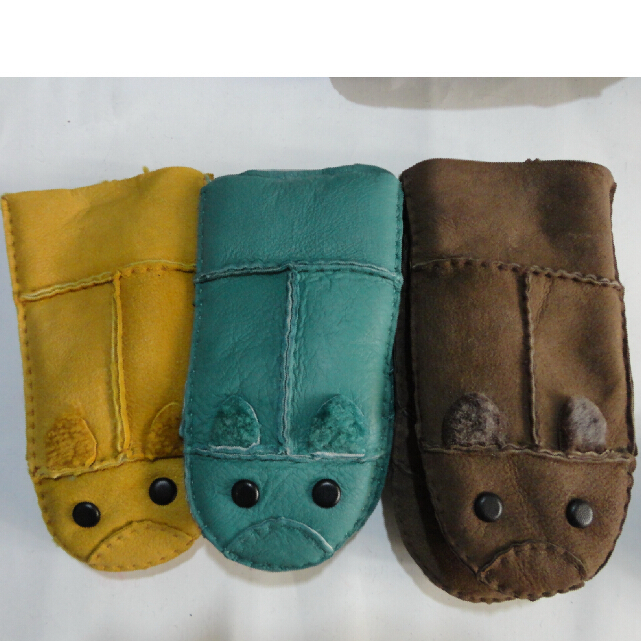 Children leather glove with real fur glove new style glove for winter 3-10 years old(China (Mainland))