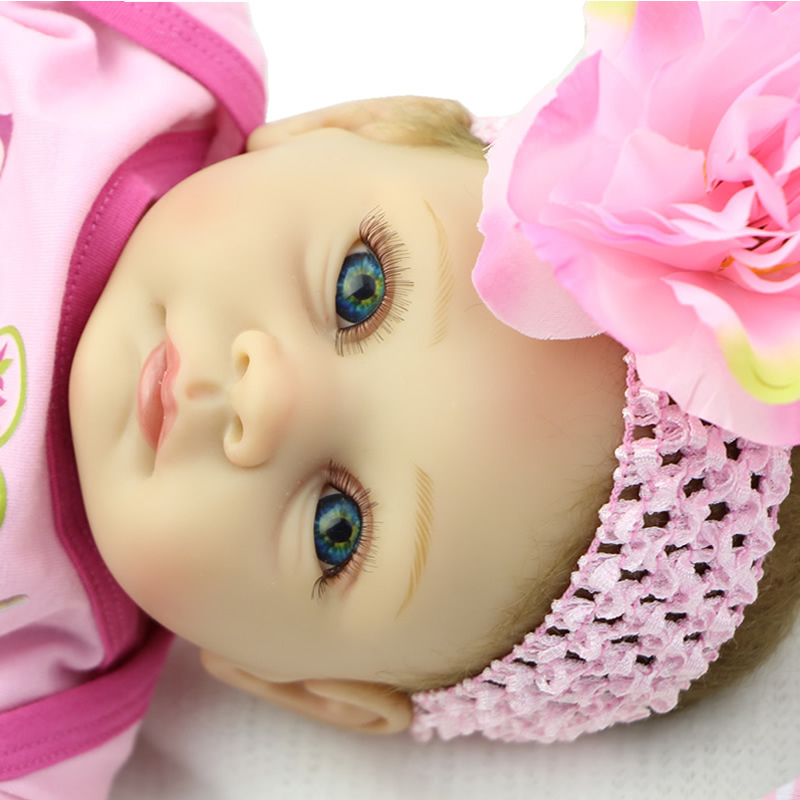 Handmade Newborn Baby Doll 22 Inch Silicone Reborn Babies Fashion Doll Realistic Finished Doll Toys For Girl Christmas Gift(China (Mainland))