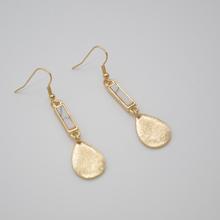 SG5028 /sweet  girl jewelry/Two white stone inlaid  Earrings(China (Mainland))