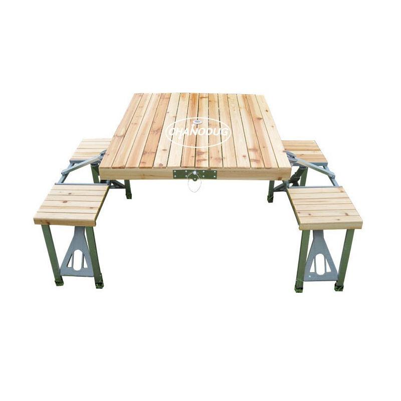 Садовый столик из дерева