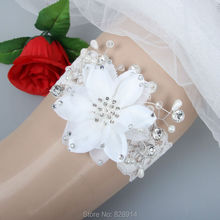 White Flower Handmade Stretched Lace Wedding Garter With Pearl and crystal bead