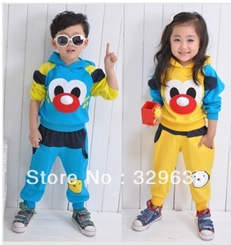 2013 Cool Children's sports suit, Colorful children clothing 2 colors. Suitable for boys and girls free shipping +3pcs//lot