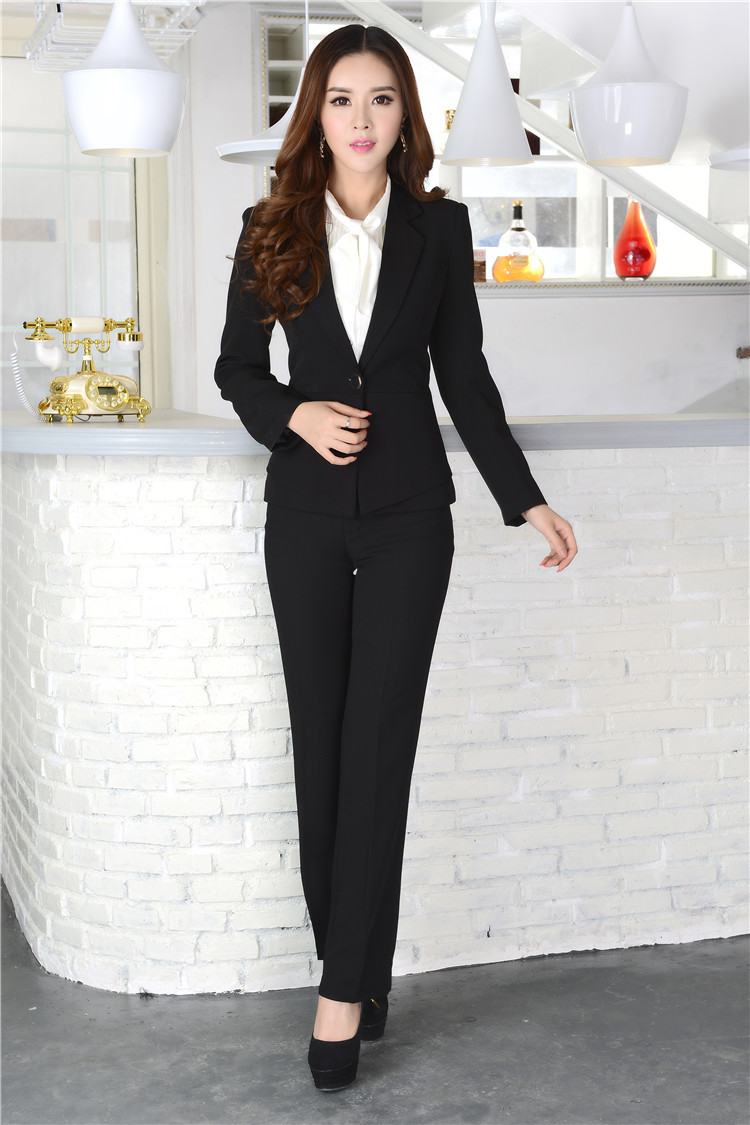 upscale women formal pant suit short hairstyle 2013