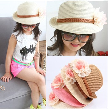 2015 New Fashion Korean Girls Caps for Summer with Beautiful Flower Design Solid Straw Beach Hat Sun Hat Free Shipping 33023(China (Mainland))