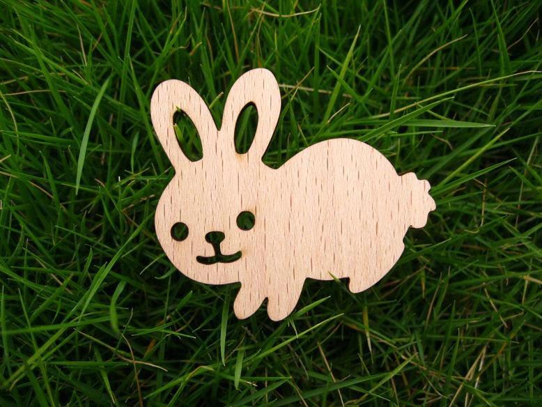 Cute bunny rabbit brooch wood material(China (Mainland))