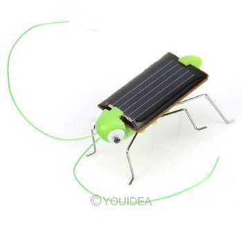 Wholesale Free Shipping 2pcs Lovely Mini Solar Energy Powered Child Toy Locust Solar Grasshopper Insect Bug Moving Toy 80554