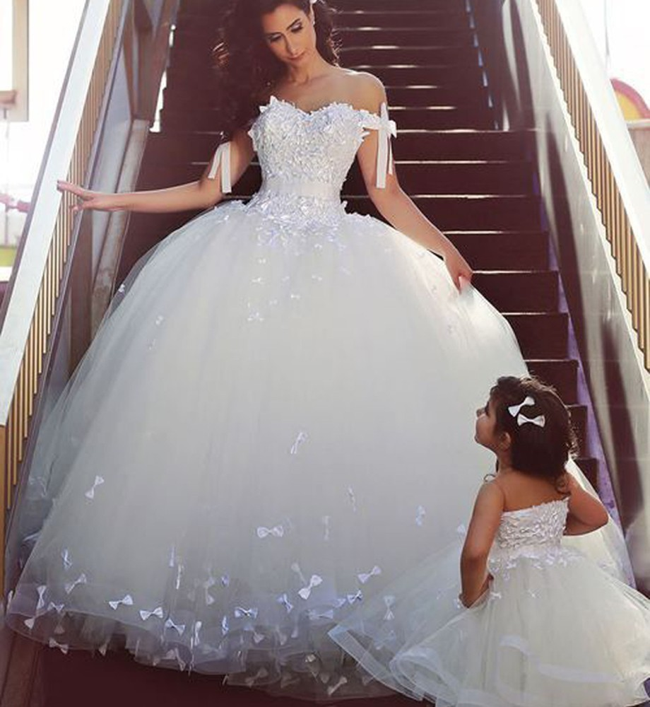 Wedding Dresses With Cap Sleeves And Bling 27