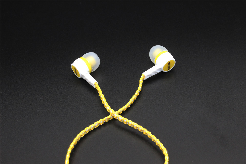 High Quality Wired Earphone Stereo Headphones headset  Earphone For All mobile phone and mp3/mp4