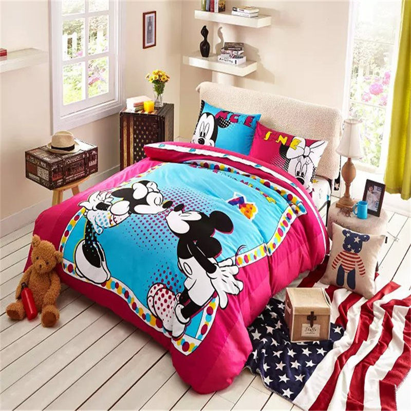 Cozy Red And Blue Kissing Minnie And Mickey Bedding Cheap Quilts Sets Comforters For Sale(China (Mainland))