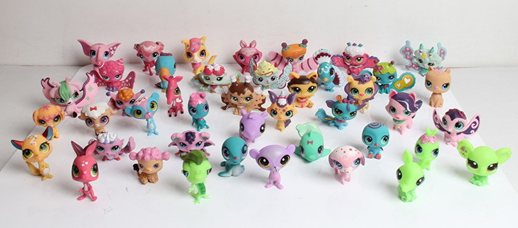 2016 Mini Doll Lot multi-style small cute cats and dogs pet store rabbit suit children's toys animal figures,(China (Mainland))