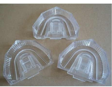 50 PCS Dental Lab Material Strong Plastic Disposable Sectioned Base Box Transparent(China (Mainland))