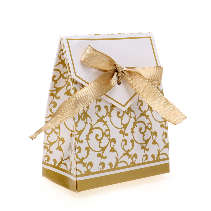 50Pcs New luxury Gold Gift Bag Candy box Cases Wedding Favor Candy Box Bride and Bridegroom Wedding Party Favor Box(China (Mainland))