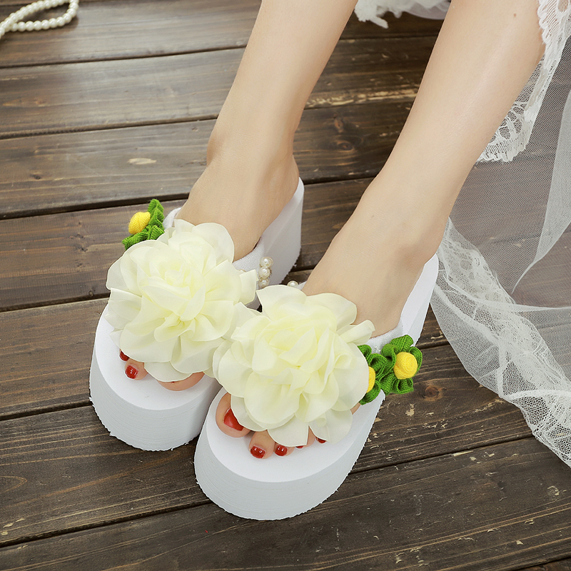In the summer of 2015 creative high-heeled sandals female slippers beach thick soled slippers slip flower bag mail(China (Mainland))
