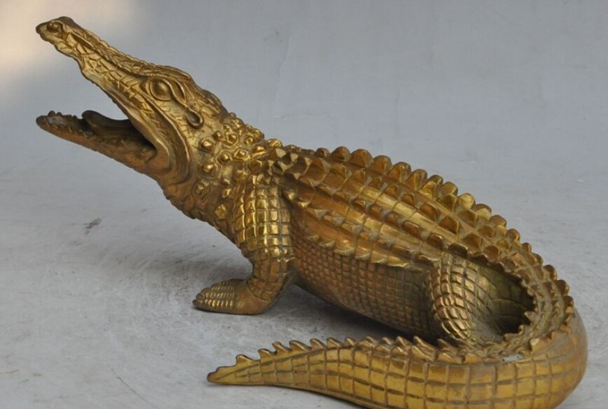 10 chinese feng shui brass animal crocodilian alligator crocodile cayman statue in metal. Black Bedroom Furniture Sets. Home Design Ideas