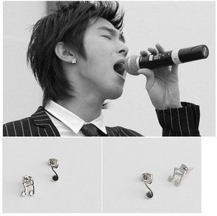 Free shipping,titanium steel music notes asymmetric stud earrings /men earrings/TVXQ /TOHOSHINKI fashion jewelry(China (Mainland))