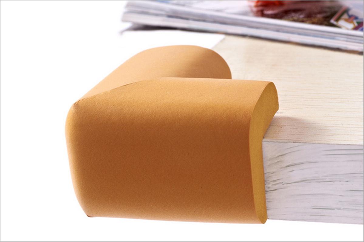 Как защитить ребенка от углов мебели