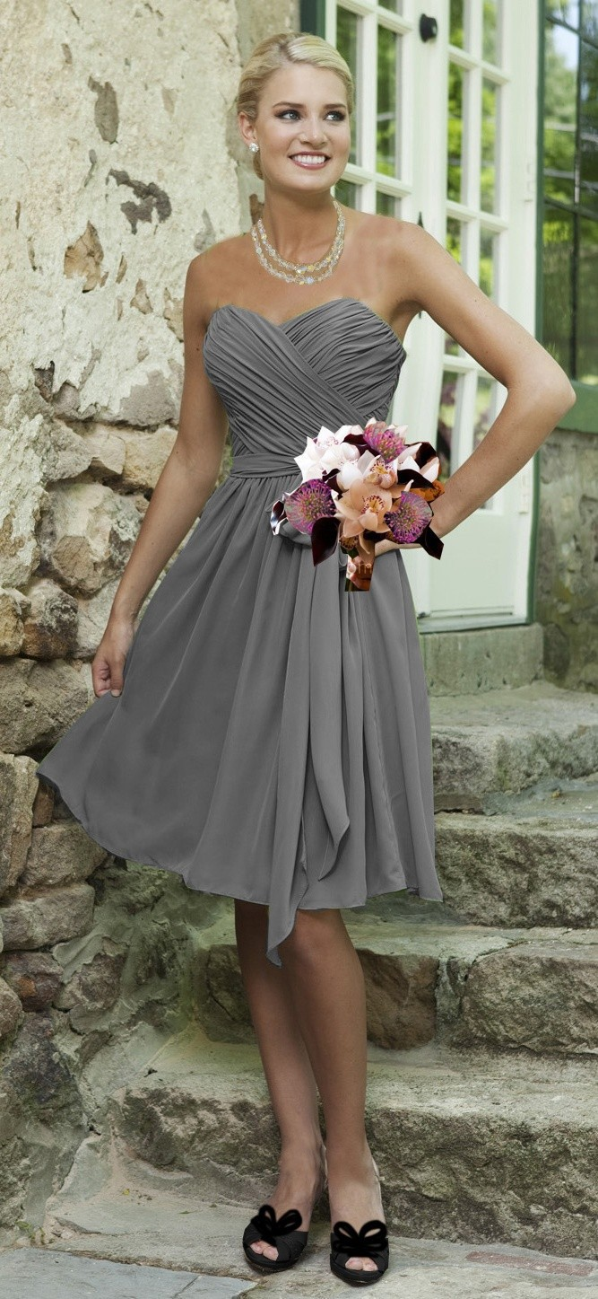 Simple Cheap Silver Grey Bridesmaid Dresses Knee Length Chiffon Sweetheart A Line Open Back