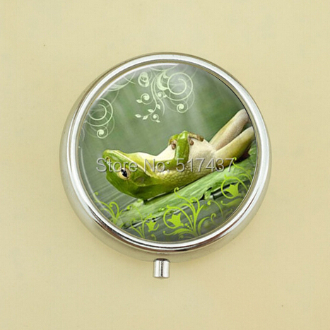 Free Shipping Lazy Frog Pill Case Round Metal Pill Box Women Men Accessory Metal Pill Case(China (Mainland))