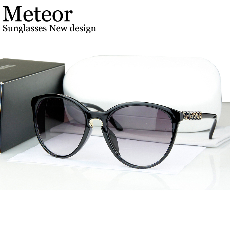 High-definition Anti Fatigue Strong Durable Glasses Women 2016,Advanced PC lens UV400 Cat eye Sunglasses Personality decoration(China (Mainland))