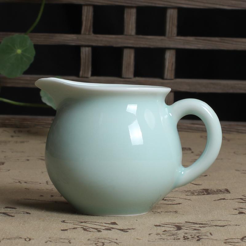 Fine handmade Longquan celadon Di medium fair cup of tea tea ceremony tea tea cup with zero accessories<br>