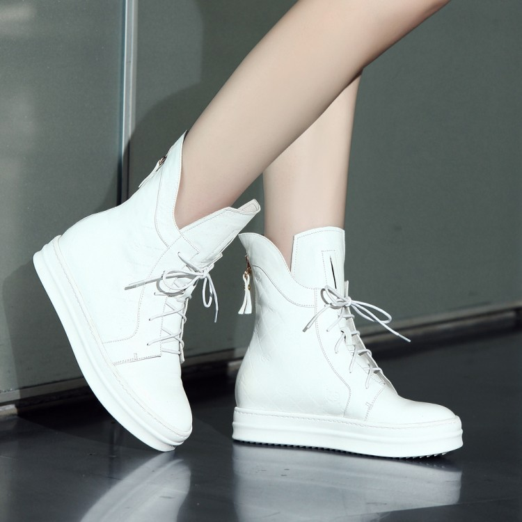 Фотография Fashion Round Toe Platform flats Heel Women Winter Ankle Boots Genuine leather lace-up Snow Boots For Women Winter Shoes