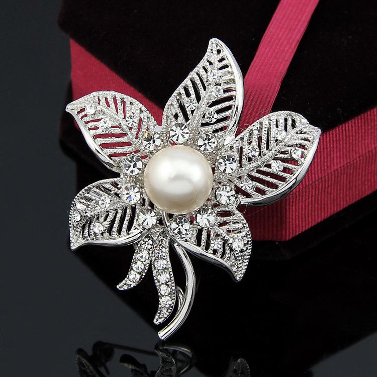 Leaf brooch beautiful gorgeous inlaid rhinestone beach wedding bridesmaid high fashion accessories,Fashion brooch(China (Mainland))