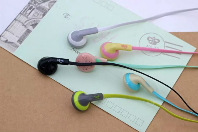 3.5 mm in ear headphones headset sport earphone Mobile Phone MP3 player MP4 auriculares(China (Mainland))