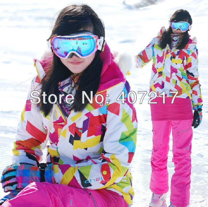 2013 womens waterproof geometric pattern curves thickened with fur on the back and collar snowboarding jacket ladies ski jacket(China (Mainland))