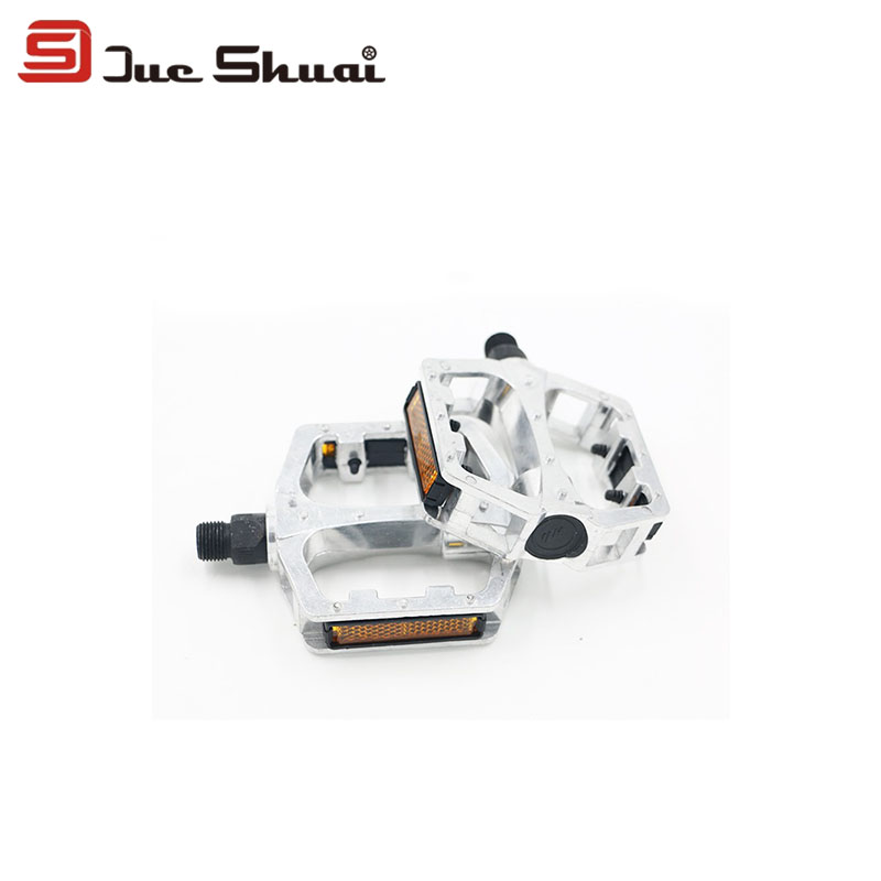 Sliver Mountain Bike Pedals With Yellow Light Reflector Slip-resistant BMX Road Cycling Ultralight Flat Pedal Butterfly Shape<br><br>Aliexpress