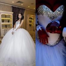 New Princess Wedding Dress 2017 Sweetheart Neck Sleeveless Ball Gown Crystal Tulle Bride Dresses Vestido de noiva Casamento(China (Mainland))