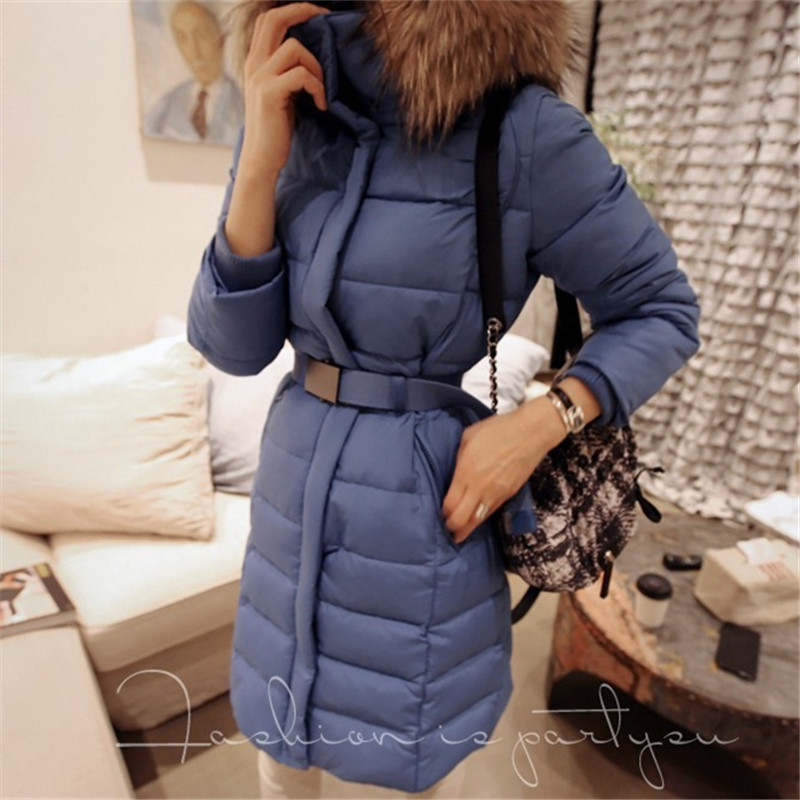 Здесь можно купить  European Style 2015 High Quality Winter Coat Women Fashion Raccoon Fur Collar Bodycon Thick Warm Duck Down Jacket Plus Size    Одежда и аксессуары