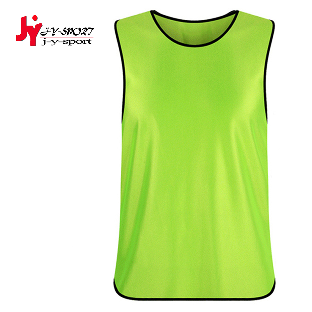 Thai quality team uniform 2016 new hot sale customized soccer waistcoat breathable adult football grouping training vest(China (Mainland))