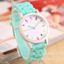 Popular ginebra mujer Gel de sílice reloj hermosos colores de moda los estudiantes de la jalea tabla de ocio de quince carácter deportivo Qu