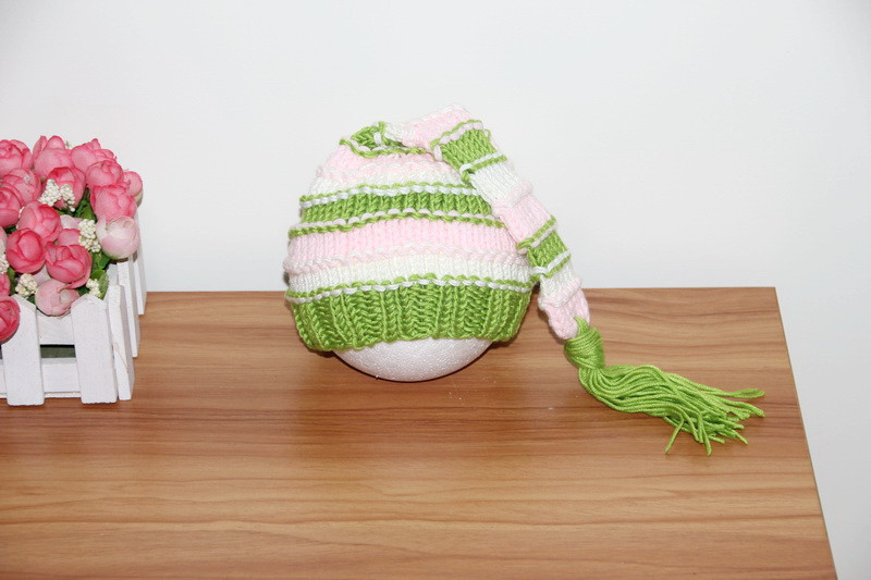 free shipping, Baby Pixie Elf Hat with Big Pompom Crochet Toddler Christmas Beanie Hat newborn Photography Props size:0-1m,3-4m(China (Mainland))