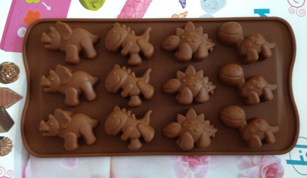 Different Dinosaur type silicone cake Chocolate Mold Jelly Mold Cake Moulds Bakeware L056(China (Mainland))