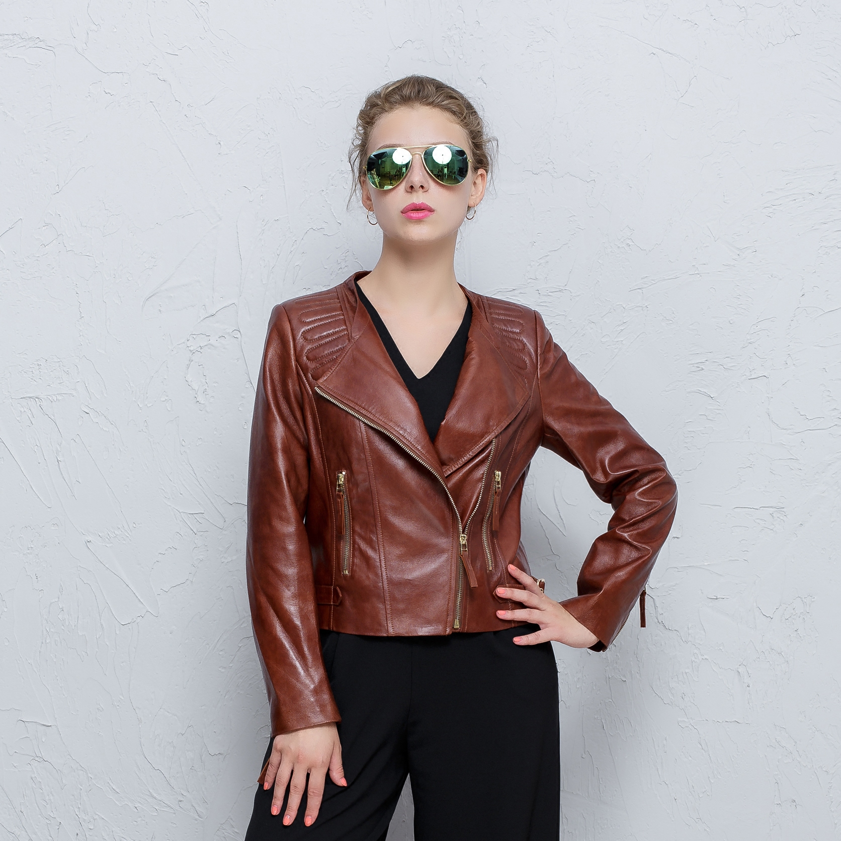 sheepskin jacket Large size Genuine Leather Short paragraph locomotive clothing fashion Female Slim Women autumn famous brand(China (Mainland))