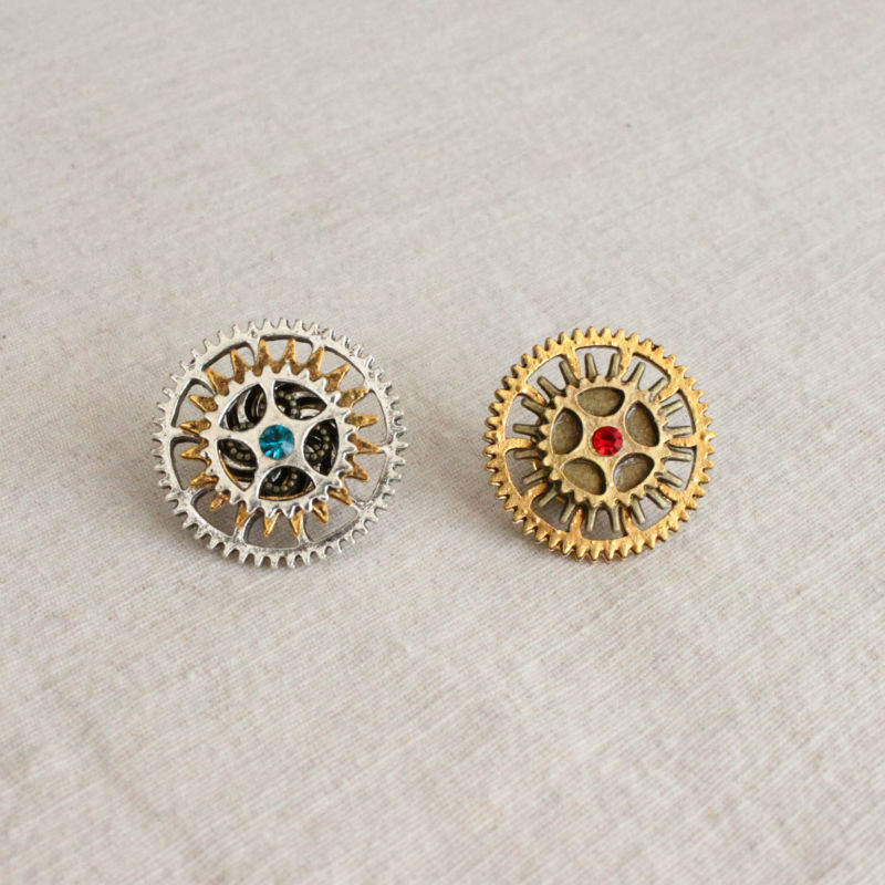 Free Shipping Steampunk Watch Cog Collar Hat or Lapel Pin Watch Gears Brooch(China (Mainland))
